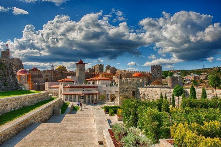 Hop-on-hop-off-tbilisi-Borjomi-Krepost-Rabat-00003