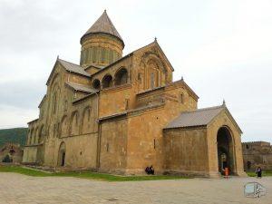 Фотография Храм Светицховели - Обзорная Автобусная Экскурсия Тбилиси - Мцхета - Джвари с туристической компанией Hop On Hop Off Tbilisi