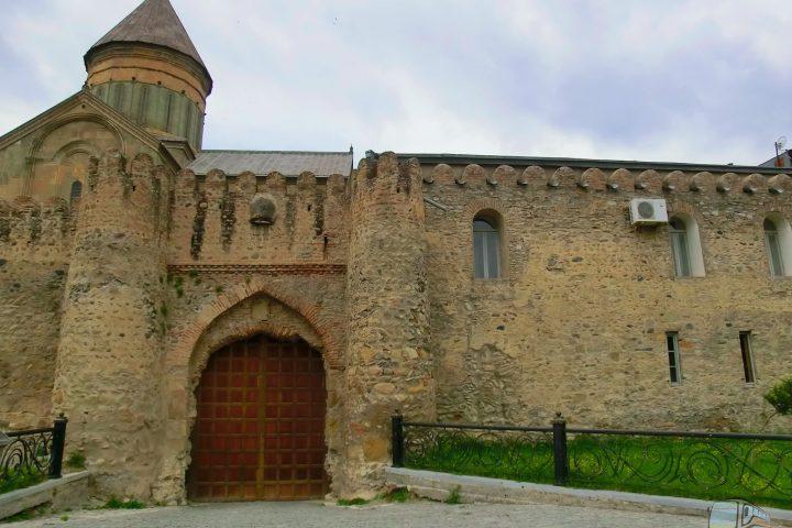 Фотография Светицховели Крепостная Стена - Обзорная Автобусная Экскурсия Тбилиси - Мцхета - Джвари с туристической компанией Hop On Hop Off Tbilisi