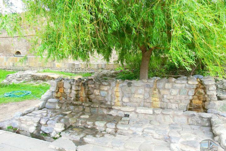 Фотография Вода на территории Светицховели - Обзорная Автобусная Экскурсия Тбилиси - Мцхета - Джвари с туристической компанией Hop On Hop Off Tbilisi