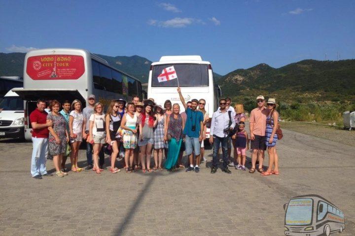 Фотография Поездка в Мцхету - Обзорная Автобусная Экскурсия Тбилиси - Мцхета - Джвари с туристической компанией Hop On Hop Off Tbilisi