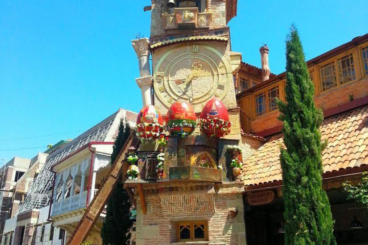 Фотография Падающая Башня Пасха - Обзорная Автобусная Экскурсия Тбилиси - Мцхета - Джвари с туристической компанией Hop On Hop Off Tbilisi
