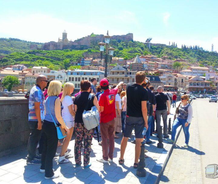 Фотография На Метехском мосту в Старом городе - Обзорная Автобусная Экскурсия Тбилиси - Мцхета - Джвари с туристической компанией Hop On Hop Off Tbilisi