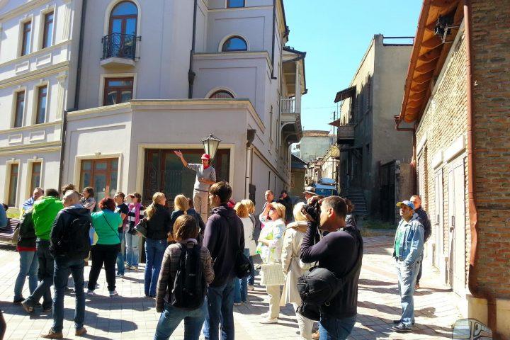 Фотография На Улице Шавтели - Обзорная Автобусная Экскурсия Тбилиси - Мцхета - Джвари с туристической компанией Hop On Hop Off Tbilisi