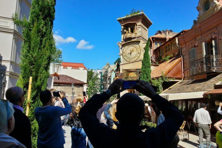 Фотография Башня с Часами Выход Ангела - Обзорная Автобусная Экскурсия Тбилиси - Мцхета - Джвари с туристической компанией Hop On Hop Off Tbilisi