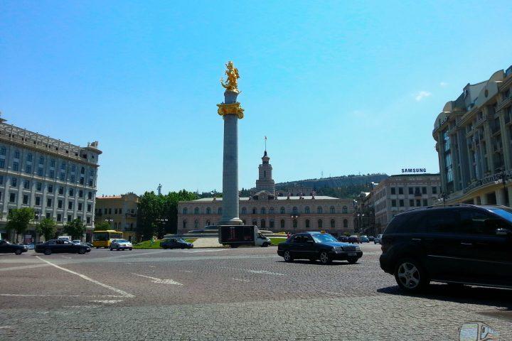 Фотография Святой Георгий на пл. Свободы - Обзорная Автобусная Экскурсия Тбилиси - Мцхета - Джвари с туристической компанией Hop On Hop Off Tbilisi