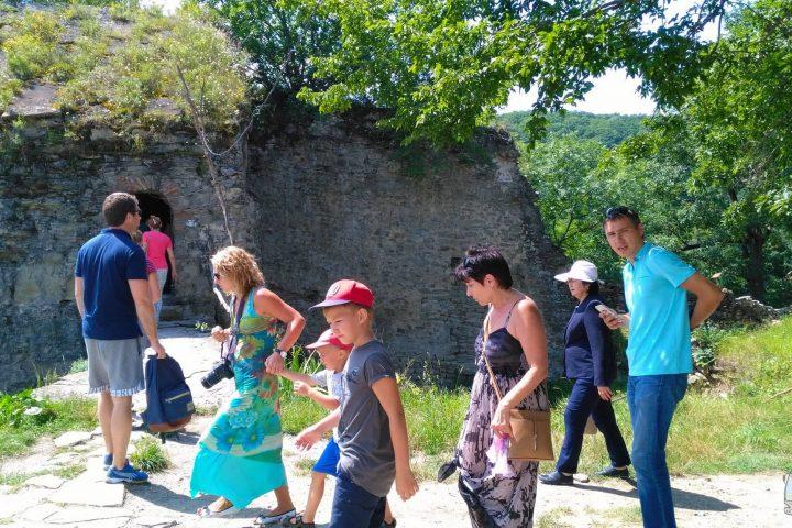 Фотография Экскурсия в Древний Храм во время Тура из Тбилиси в Кахетию Бодбе Сигнахи Цинандали Телави с компанией Hop on Hop off Tbilisi