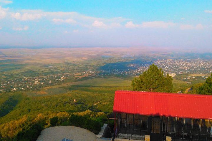 Фотография Сигнахи Вид со смотровой площадки во время Тура из Тбилиси в Кахетию Бодбе Сигнахи Цинандали Телави с компанией Hop on Hop off Tbilisi